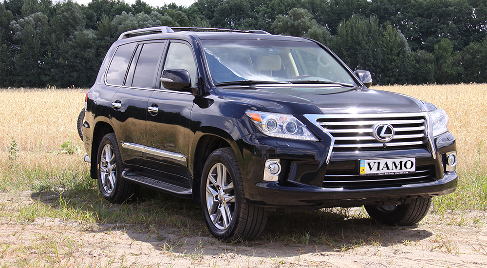 Lexus LX 570 in rent from the company «VIAMO rent auto» at an attractive price